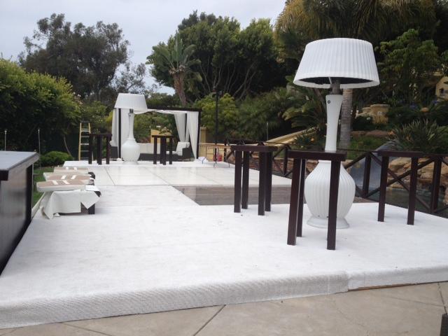 white-carpet